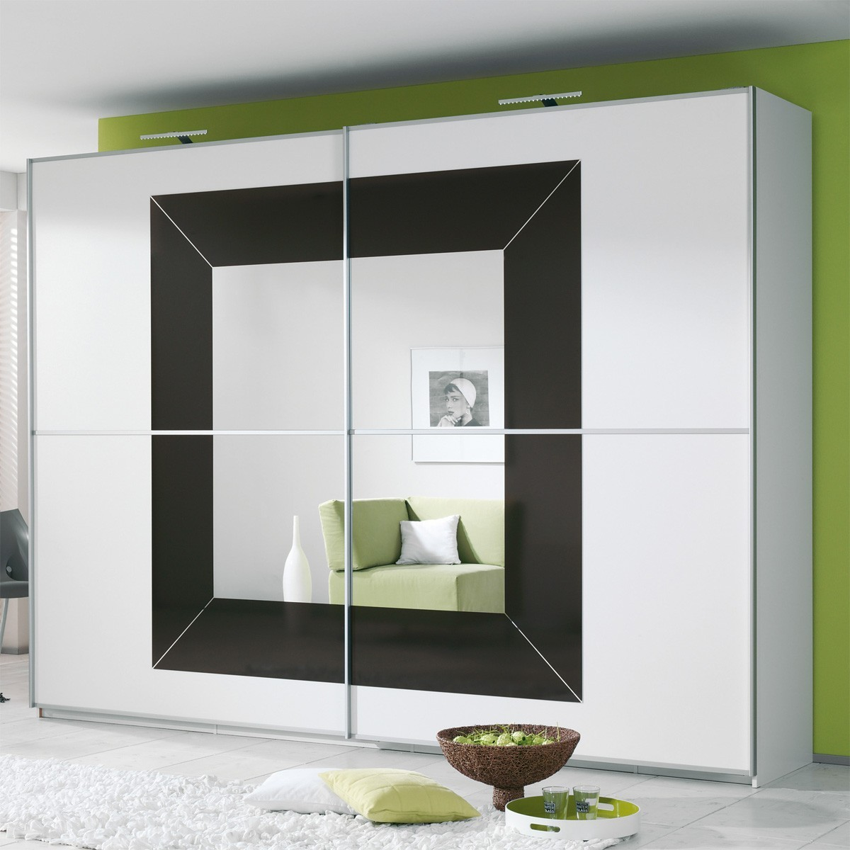 kleiderschrank wei hochglanz schiebet r. Black Bedroom Furniture Sets. Home Design Ideas