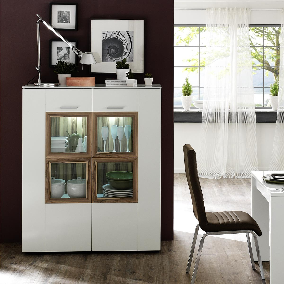 highboard vitrine anrichte sideboard modern wei hochglanz baltimore walnuss ebay. Black Bedroom Furniture Sets. Home Design Ideas