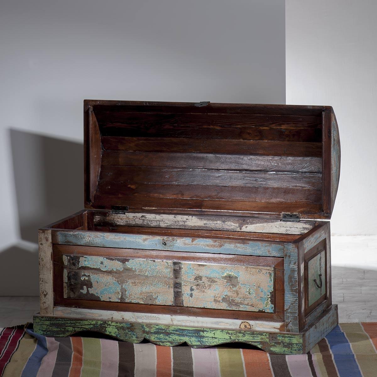 truhe rasl nd aus altholz im vintage look. Black Bedroom Furniture Sets. Home Design Ideas