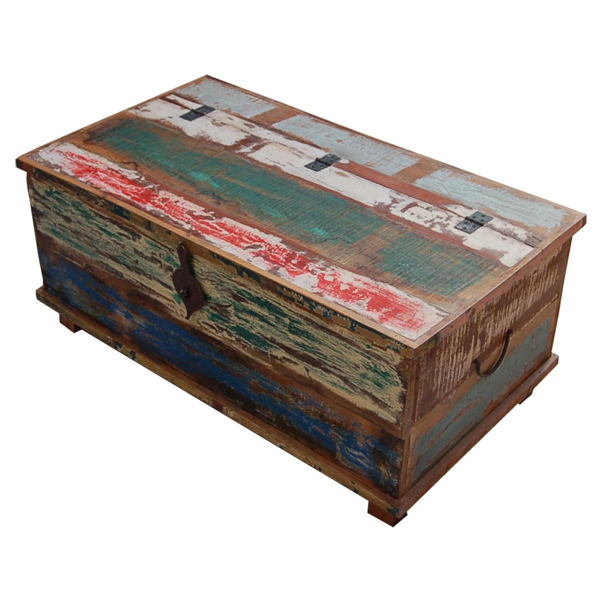 truhe holztruhe mit f en aus recyceltem massivholz. Black Bedroom Furniture Sets. Home Design Ideas