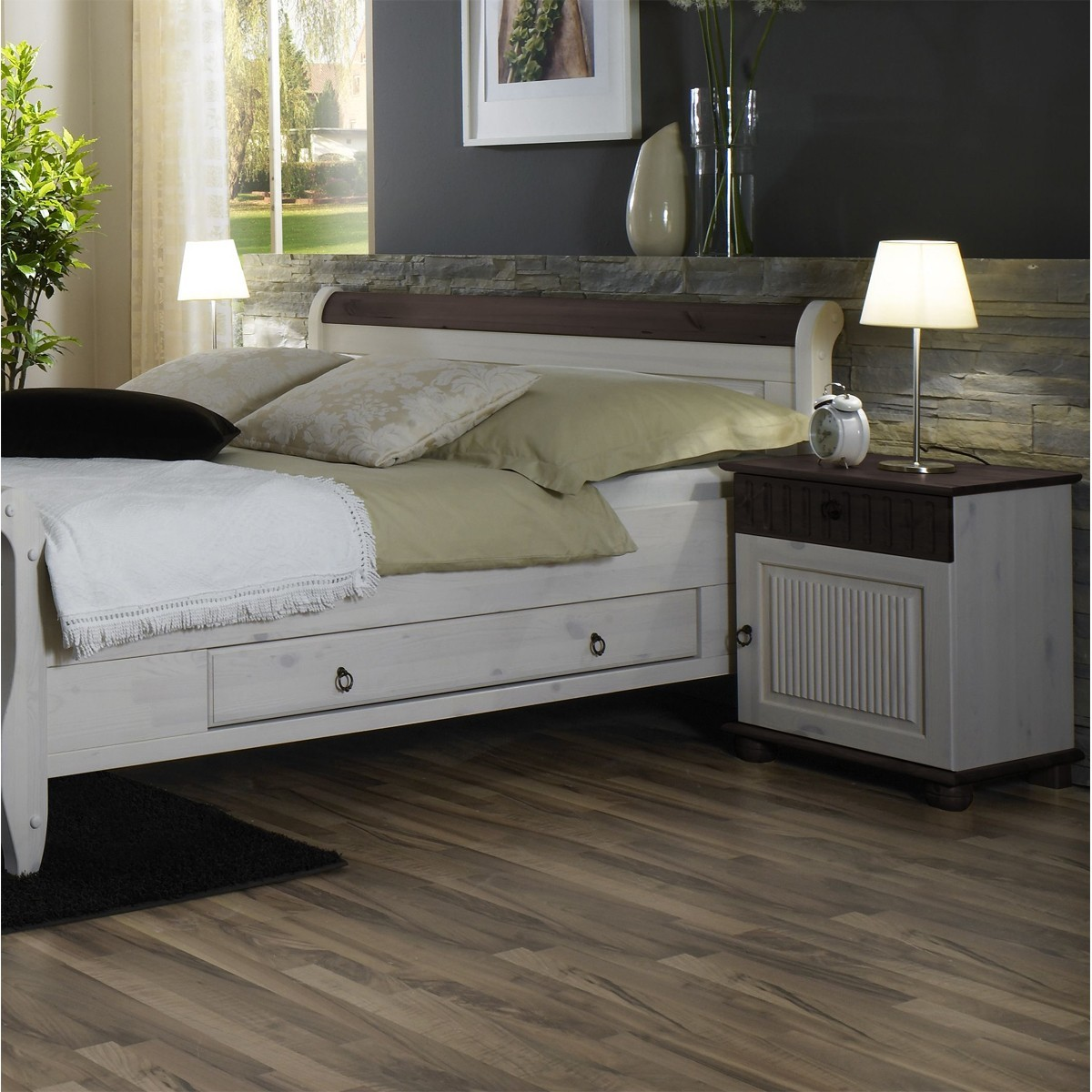 nachttisch silvana in kiefer daenische beize. Black Bedroom Furniture Sets. Home Design Ideas