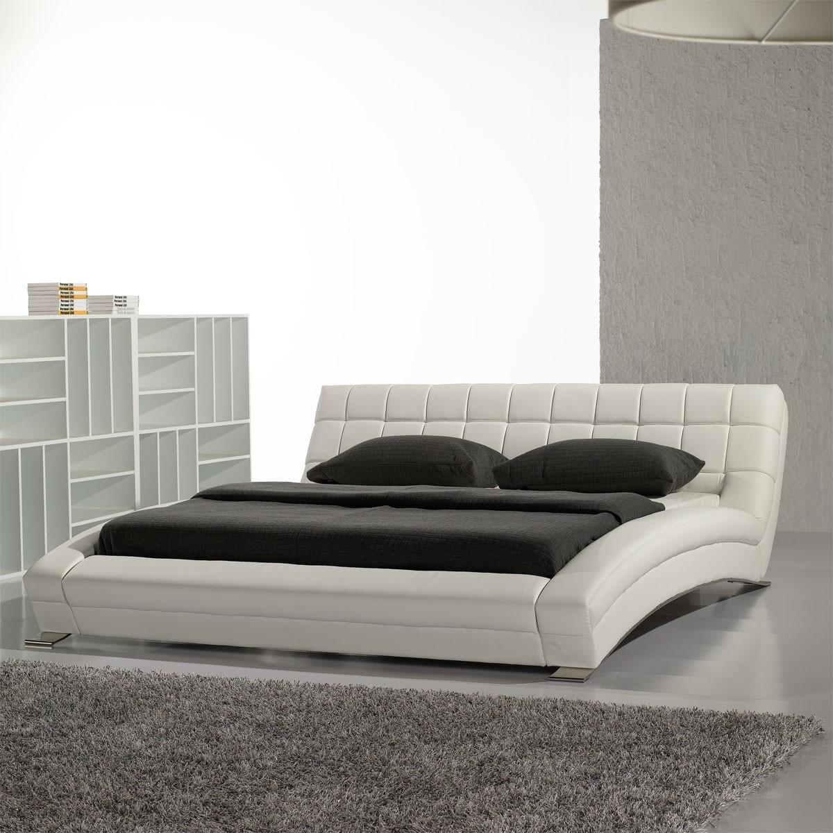 polsterbett luna in kunstleder wei 180 x 200 cm. Black Bedroom Furniture Sets. Home Design Ideas