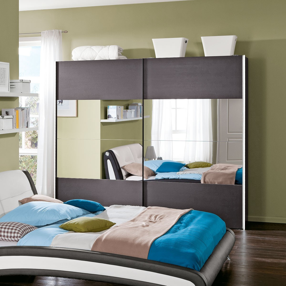 kleiderschr nke home immoviva design und luxus f r ihr zuhause. Black Bedroom Furniture Sets. Home Design Ideas