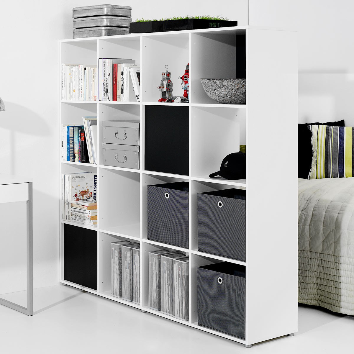 raumteiler wei m bel ideen innenarchitektur. Black Bedroom Furniture Sets. Home Design Ideas