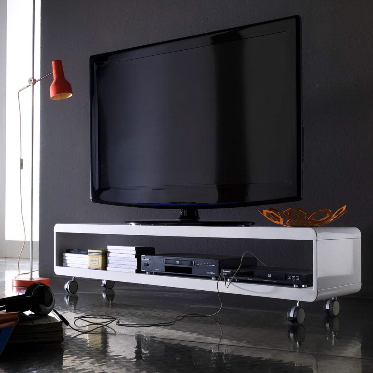 tv lowboard randers in wei hochglanz. Black Bedroom Furniture Sets. Home Design Ideas